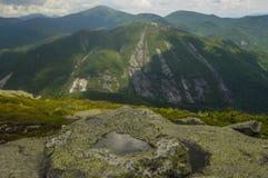 Mt Colden från Algonquin Mt, vildmarkområde för höga maxima, Adirondack Forest Preserve, New York arkivfoto