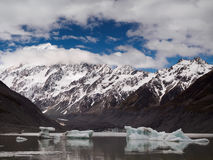 Mt Cook from Valley Glacier Lake Royalty Free Stock Photos