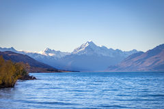 Mt. Cook and lake Pukaki at Peter lookout Royalty Free Stock Photography