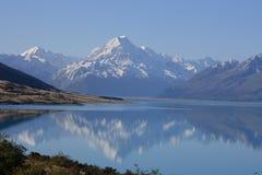 MT Cook/Meer Pukaki, Nieuw Zeeland Stock Fotografie