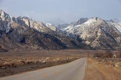 Mt. de Aandrijving van Whitney Stock Foto