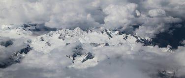 Mt everest принятый от самолета в Непале Стоковые Фотографии RF