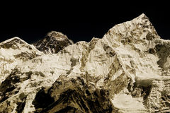 Mt. Everest en Mt. Nuptse Stock Afbeeldingen