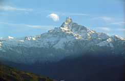 Mt.Fishtail is cloud-kissing Royalty Free Stock Image