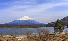 Mt.fuji на озере седзи Стоковые Изображения RF
