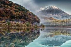 Mt Fuji in autunno, mattina, annata Fotografie Stock Libere da Diritti