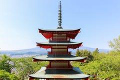Mt Fuji avec la pagoda de Chureito en été images stock