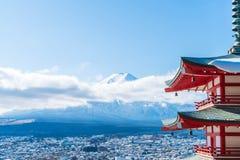 Mt Fuji com o pagode de Chureito no outono, Fujiyoshida Imagem de Stock Royalty Free