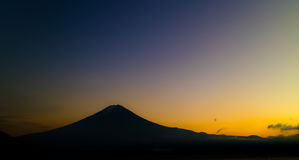 Mt Fuji comme ensembles de Sun Photo stock