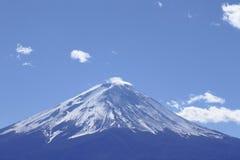 Mt Fuji contro cielo blu Fotografia Stock Libera da Diritti