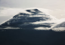 Mt fuji-dg3. The cluod turn round on Mt, fiji Stock Photos