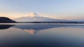 Mt Fuji en la madrugada Imágenes de archivo libres de regalías