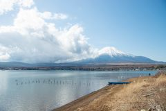 MT Fuji en Meer Yamanakako stock afbeelding