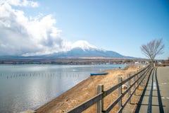 MT Fuji en Meer Yamanakako royalty-vrije stock afbeeldingen