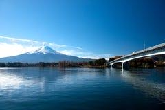 Mt Fuji från sjön Kawaguchiko Arkivfoton