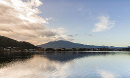 Mt Fuji i morgonen Arkivbild