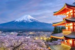 Mt Fuji, Japón durante estación de primavera fotos de archivo