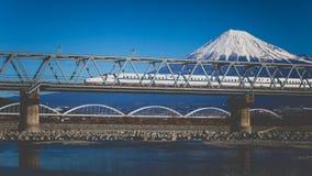 Mt Fuji och Tokaido Shinkansen Arkivfoto