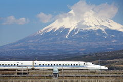 Mt Fuji und Tokaido Shinkansen Stockbild