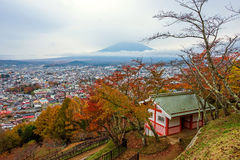 Mt. fuji view from chureito peak at autumn Royalty Free Stock Images