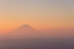 Mt Fuji y mar de nubes Imagenes de archivo