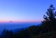 Mt Fuji y mar de nubes Imágenes de archivo libres de regalías