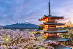 Mt Fuji y pagoda fotos de archivo