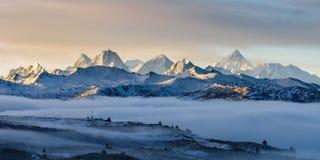 Mt Gongga en el amanecer Fotografía de archivo