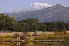 Mt. het Zuiden van Annapurna in Nepal Stock Foto's