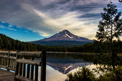 Mt Hood reflecting off of Trillium Lake Royalty Free Stock Photos