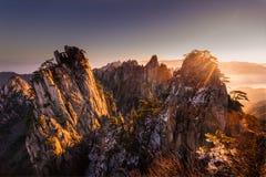 Mt Huangshan i Anhui, Kina Arkivbild