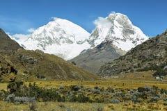 Mt Huascaran da fuga de Laguna 69, Peru Fotografia de Stock Royalty Free