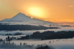 Mt., huv på soluppgång Arkivfoton