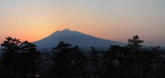 Mt Iwaki - coucher du soleil photos stock