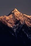 Mt. Jadespitze in der Dämmerung Stockbild