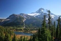 Mt Jefferson e lago Russell Imagem de Stock Royalty Free