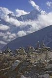 Mt. Kangtega e pietre di Mani Fotografie Stock Libere da Diritti