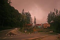 Mt Kinabalu parka wejście z chmurnym czerwonym zmierzchem obrazy stock