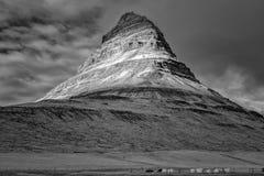 MT Kirkjufell, IJsland in Infrared Stock Afbeelding