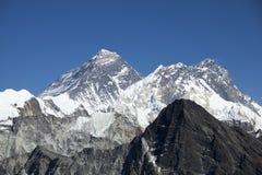 Mt Lhotse y Everest foto de archivo