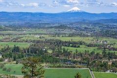 Mt McLoughlin en Oregon de las rocas de la tabla imagen de archivo libre de regalías