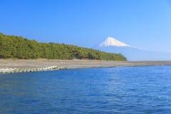Mt 从Mihonomatsubara的富士视图 免版税库存照片