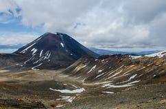 Mt Ngauruhoe, национальный парк Tongariro, Новая Зеландия Стоковые Изображения RF