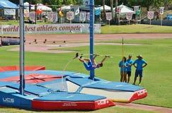 Mt O saco retransmite 2015 a reunião do atletismo, Polo Valut Último para ser guardado no estádio histórico do alojamento de Hilm Fotos de Stock Royalty Free