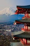 Mt Pagoda de Fuji - de Chureito con el Mt fuji Fotografía de archivo