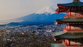 Mt Pagoda de Fuji - de Chureito con el Mt fuji Fotos de archivo