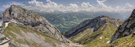 Mt Pilatus популярное туристское назначение в европейской стране Швейцарии стоковые фото