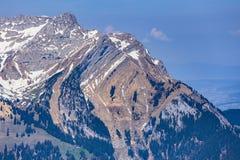 Mt Pilatus som sett från Mt Stanserhorn i Schweiz Royaltyfria Foton