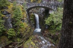 Mt Rainer瀑布 免版税库存照片