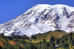 Mt. Rainier. Close-up of Mt. Rainier on a clear autum day Royalty Free Stock Photo